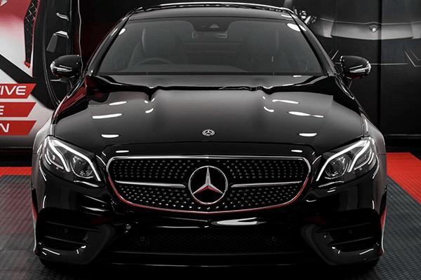濃色車は滑らかな光沢がより鮮明になります。